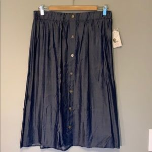 NWT Faded Glory blue midi chambray skirt.